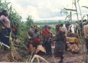 Rwandan refugees arrive in Tanzania